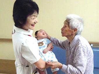 草加市「みどりの館」は、介護老人保健施設です。